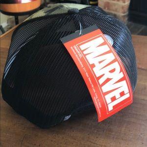 Marvel Accessories - Marvel snapback baseball curved punisher hat new
